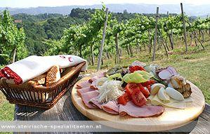 Brettljause im Weingarten