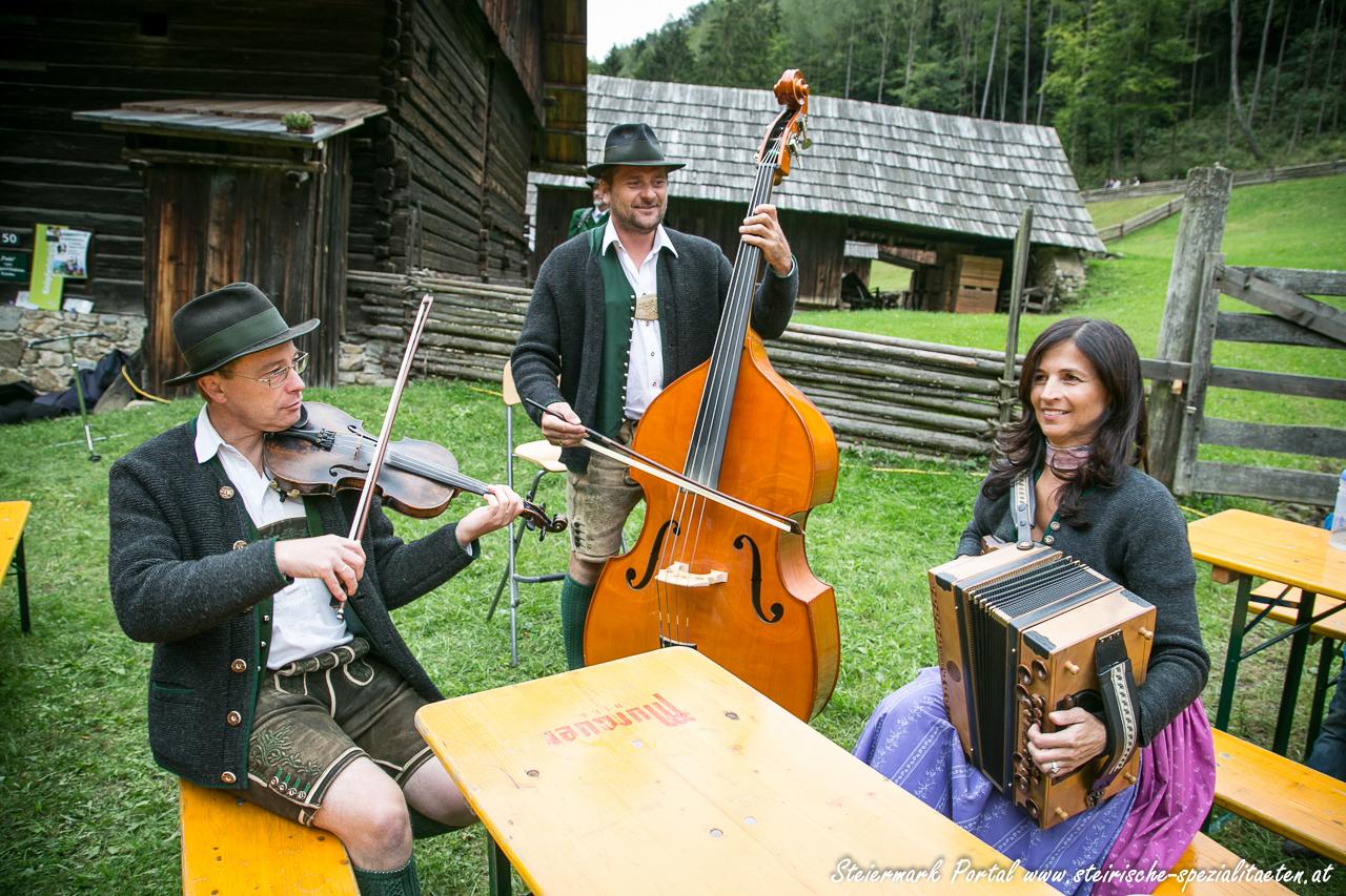 Knöpferlstreich Musik Stübing