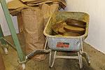 Presskuchen in der Ölmühle Leopold