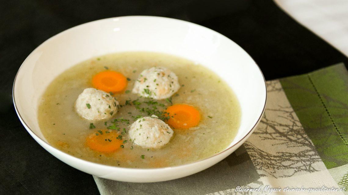 Hendl-Einmachsuppe mit Bröselknödel