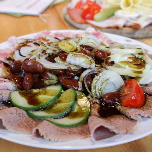Saures Rindfleisch mit Käferbohnen