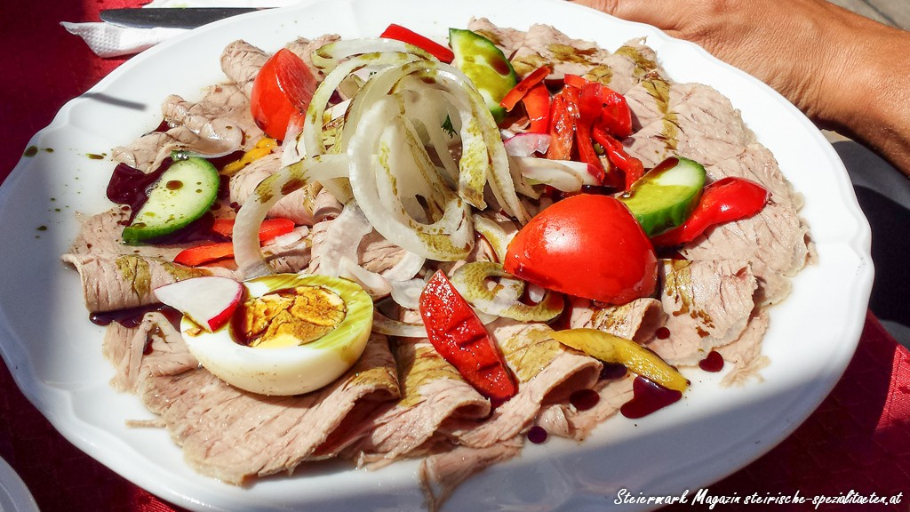 Saures Rindfleisch mit Gemüse