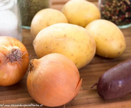 Blunzengröstl: Gröstl mit Erdäpfel & Blutwurst