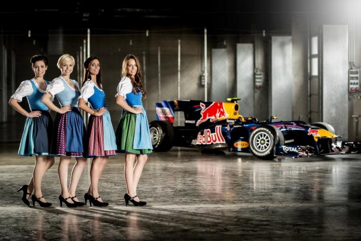Pinkataler Alltagstracht Formel 1