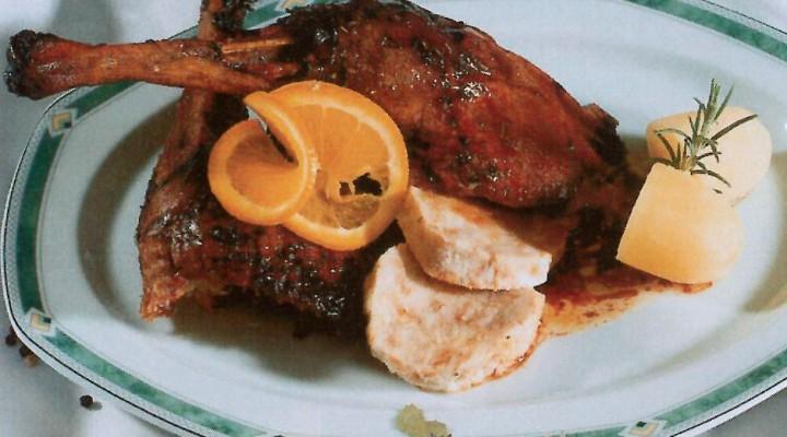 Gebratene Gans – Martinigansl knusprig aus dem Ofen