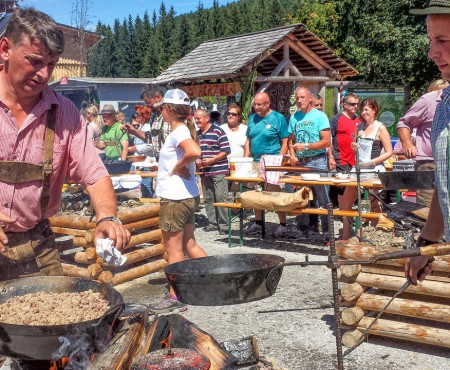 Traditionelles Sterzfest auf der Sommeralm