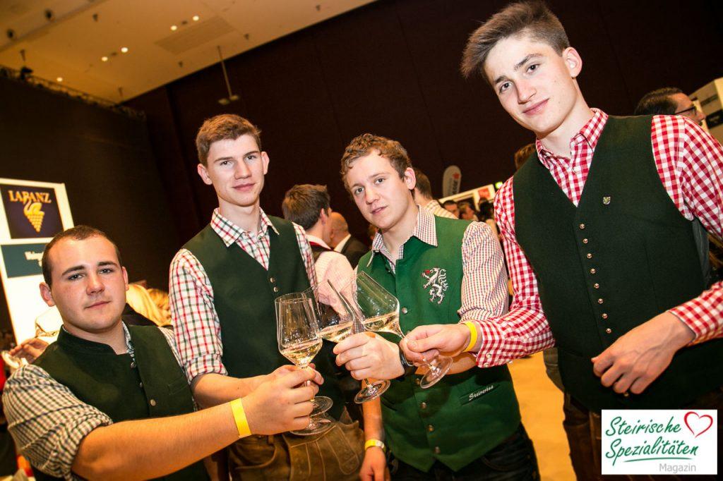 Besucher Wein Jahrgangspräsentation