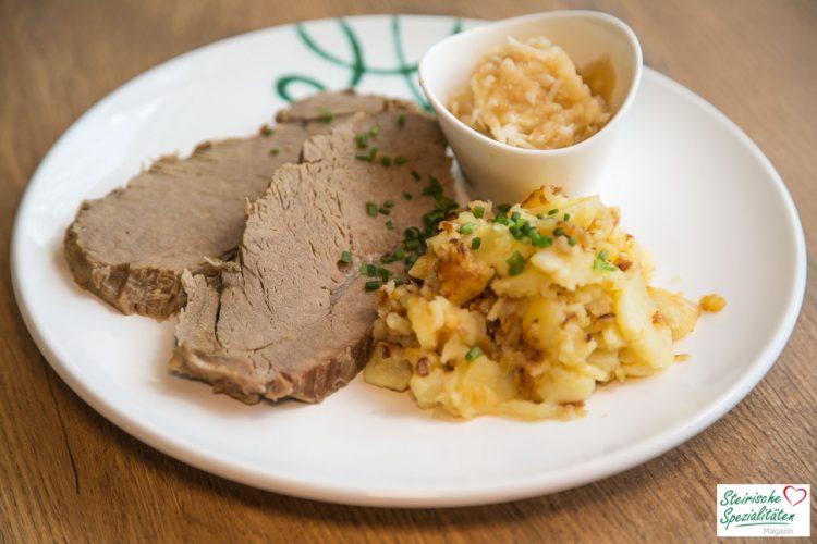 Rezept für gekochtes Rindfleisch mit Beilagen